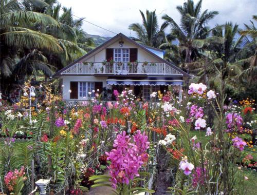 La reunion villes et villages fleuris carte des communes prim es au concours for Maison de la reunion