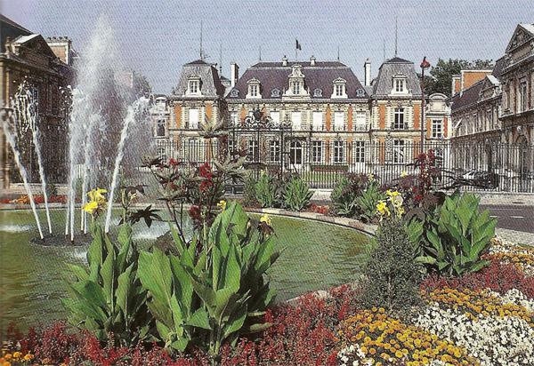 Poitiers ville fleurie de la vienne en r gion poitou charente - Le jardin des fleurs poitiers ...